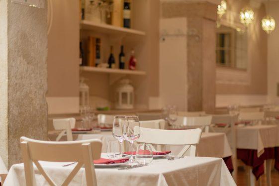 ristorante pesce trani osteria veronique coppia tavolo
